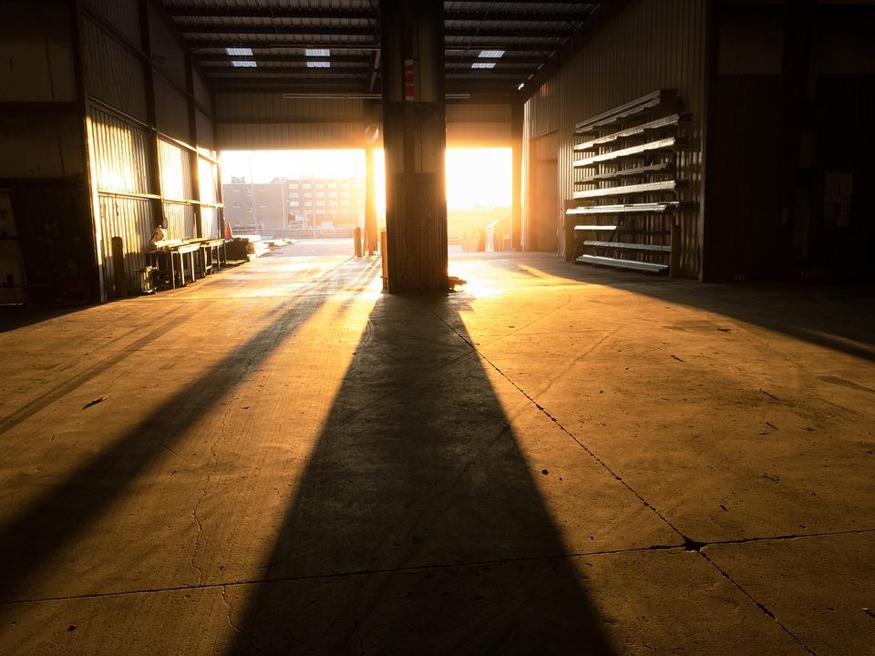 Garage indépendant immense