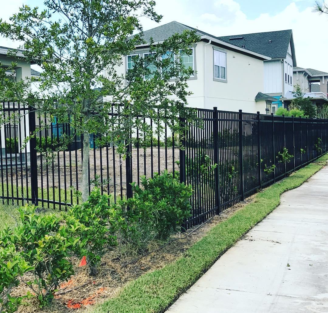 Prix D Un Mur De Cloture En Plaque De Beton prix d'une clôture au mètre linéaire - devis gratuit