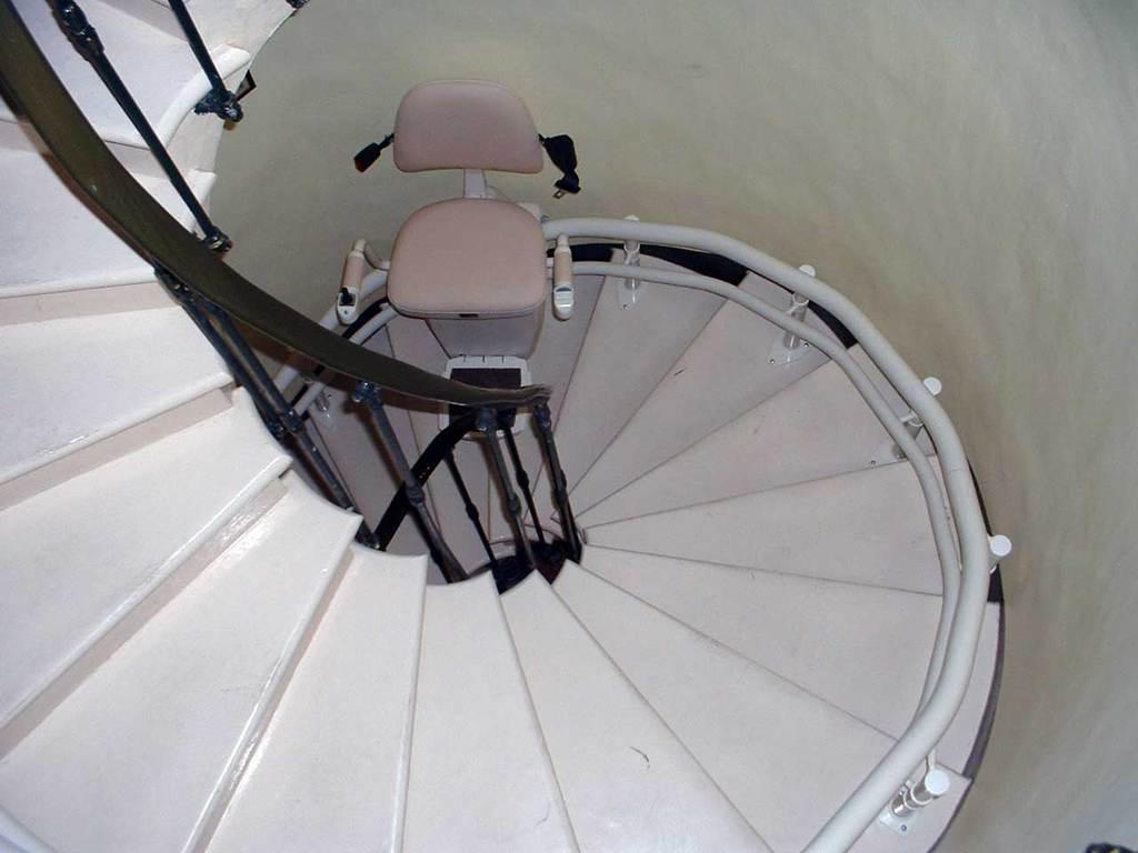 Monte-escalier colimaçon