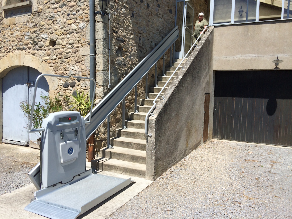 Plateforme monte-escalier